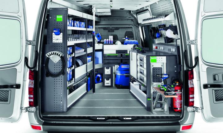 Mit dem modularen System bott vario lässt sich die Ausstattung des Fahrzeugs individuell planen und konfigurieren. Werkfotos